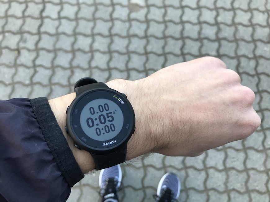 garmin forerunner 45 screen